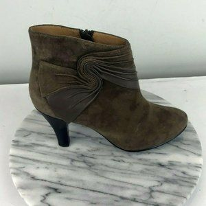 Sofft Pointed Toe Stacked Heel Boots